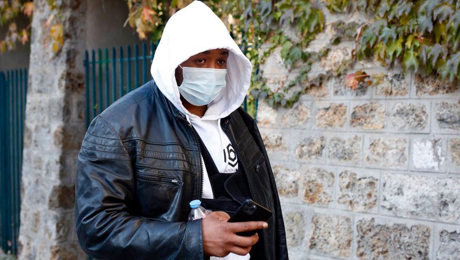 26.11.2020, Frankreich, Paris: Der Musikproduzent Michel ist auf dem Weg zur Generalinspektion der französischen Nationalpol