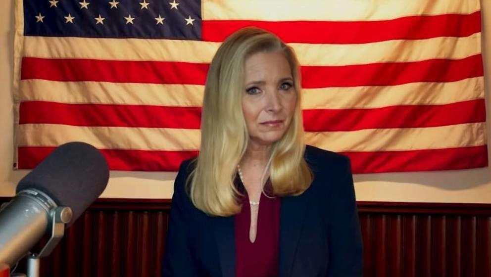 """Lisa Kudrow in """"Death To 2020"""""""