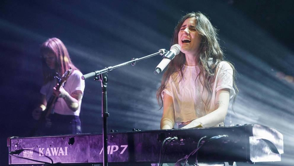 VANCOUVER, BRITISH COLUMBIA - OCTOBER 03: Singer-songwriter Dodie performs on stage at Vogue Theatre on October 03, 2019 in V
