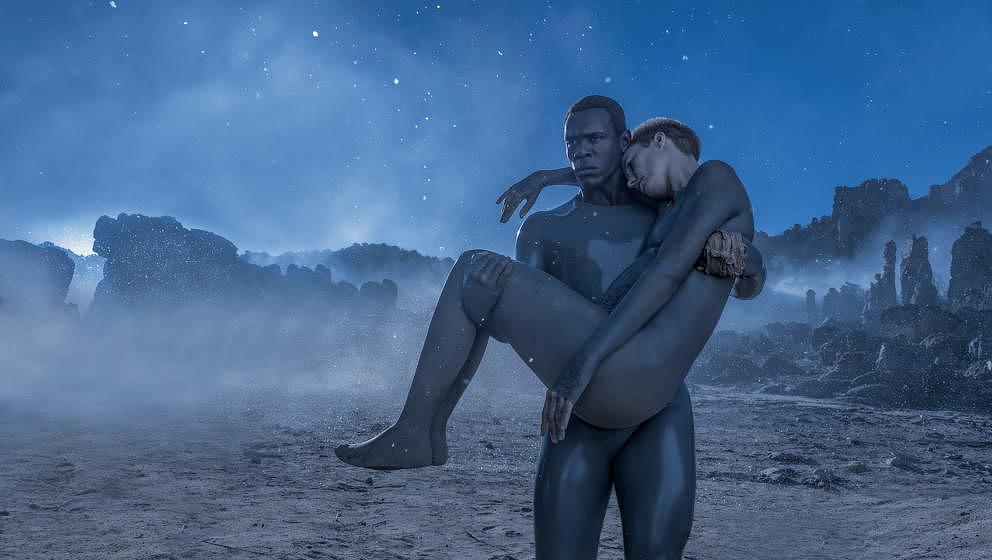 """Amanda Collin und Abubakar Salim in der Serie """"Raised By Wolves"""""""