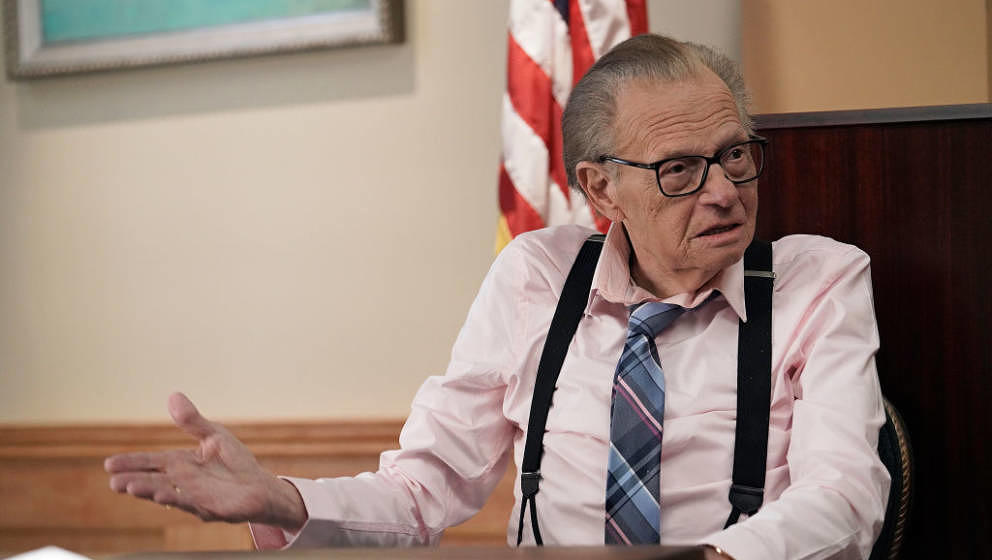 LETS BE REAL: Guest star Larry King in LETS BE REAL airing Thursday, Oct. 1 (9:00-9:30 ET/PT) on FOX. (Photo by FOX via Getty