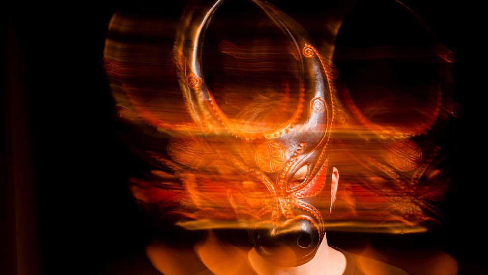 """Hat auch bisschen was von """"Equinox"""" oder """"Donnie Darko"""": Lambert hinter seiner Maske"""
