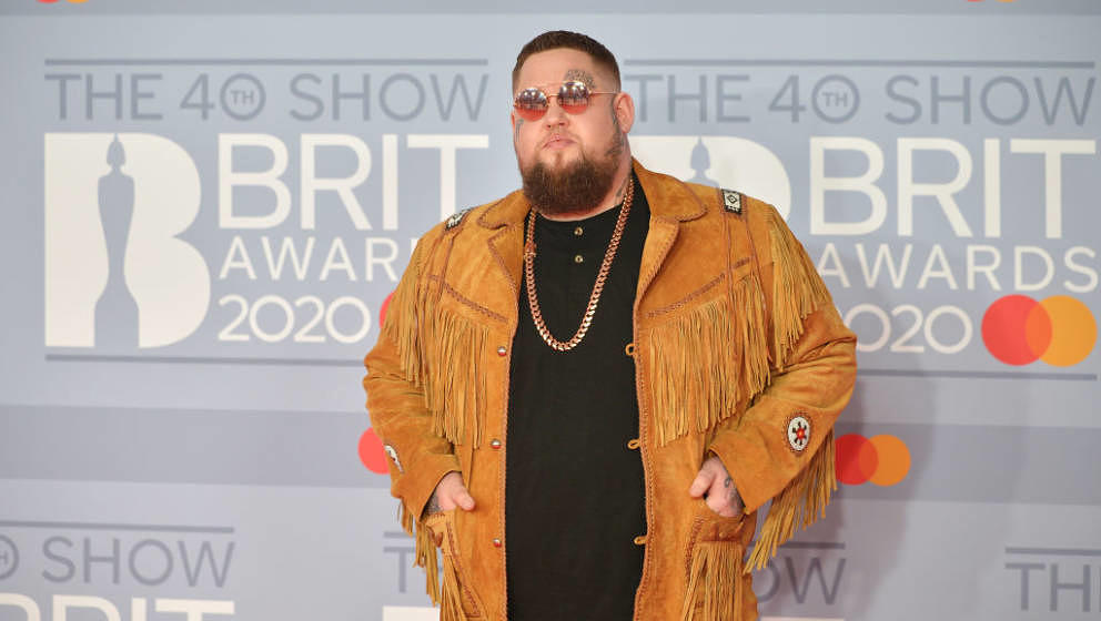 LONDON, ENGLAND - FEBRUARY 18: (EDITORIAL USE ONLY)  Rag'n'Bone Man attends The BRIT Awards 2020 at The O2 Arena on February