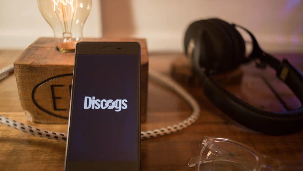 BANGKOK, THAILAND - 2018/07/25:  In this photo illustration, the Discogs application seen displayed on a Sony smartphone. (Ph