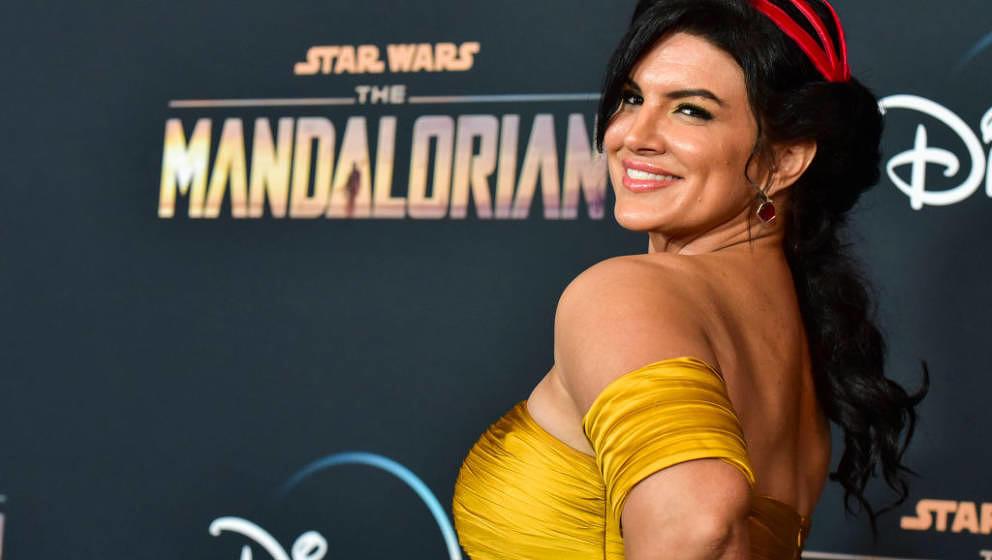 LOS ANGELES, CALIFORNIA - NOVEMBER 13: Gina Carano attends the premiere of Disney+'s 'The Mandalorian' at El Capitan Theatre