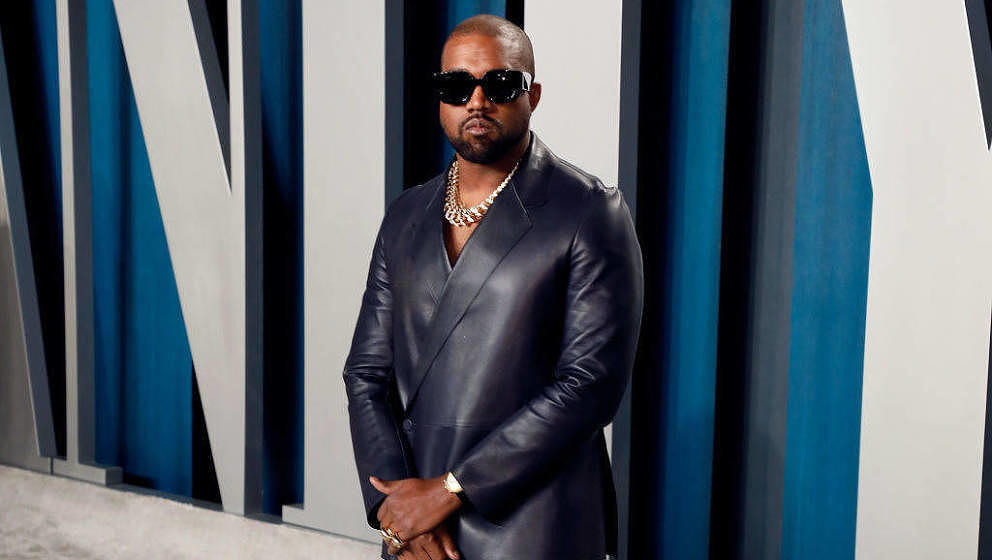BEVERLY HILLS, CALIFORNIA - FEBRUARY 09: Kanye West attends the 2020 Vanity Fair Oscar Party at Wallis Annenberg Center for t