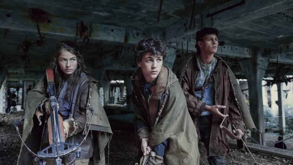 """""""Tribes of Europa"""" mit Henriette Confurius, Emilio Sakraya und David Ali Rashed startete am 19.02. auf Netflix."""