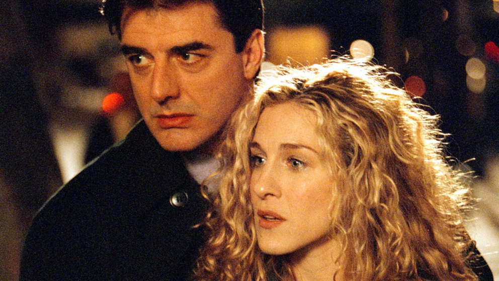 402175 07: (EDITORIAL USE ONLY, COPYRIGHT HBO) Actors Sarah Jessica Parker and Chris Noth on the set of 'Sex and the City'. (