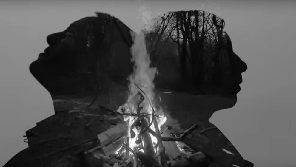 """Ein Auszug aus dem Musikvideo von Jehnny Beths und Bobby Gillespies erster gemeinsamer Single """"Remember We Were Lovers""""."""