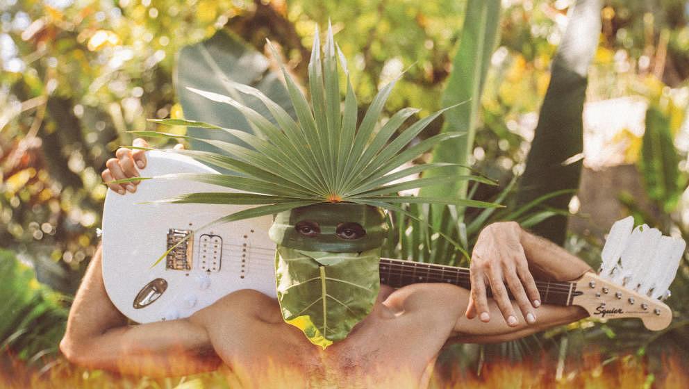 2021: Cro hinter Palmen