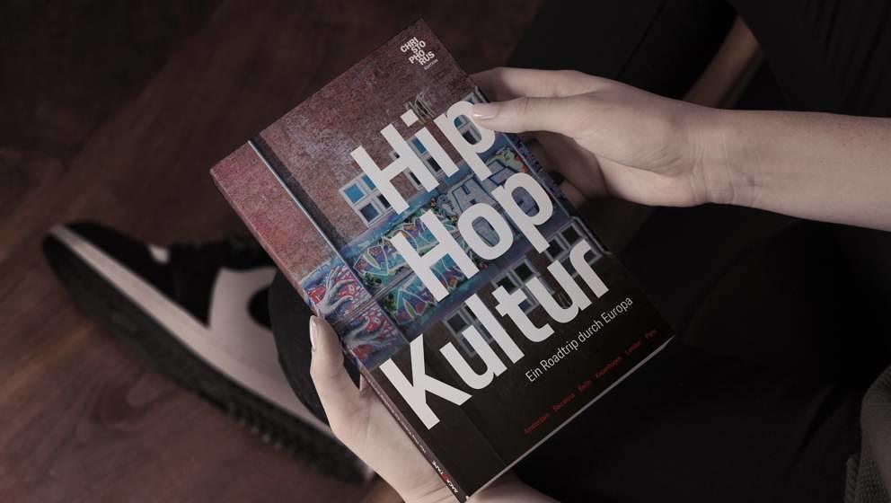 'Hip-Hop-Kultur - Ein Roadtrip durch Europa' kann ab sofort für 24,90 Euro unter www.back2tapebook.com bestellt werden. / We