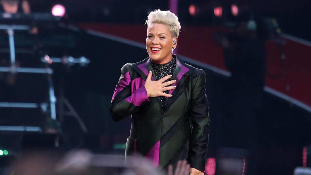 Pink performt auf der Bühne im Wembley-Stadion am 29. Juni 2019 in London, England.