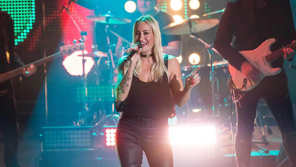 COLOGNE, GERMANY - DECEMBER 08: Sarah Connor performs on stage during the tv show '2019! Menschen, Bilder, Emotionen' on Dece