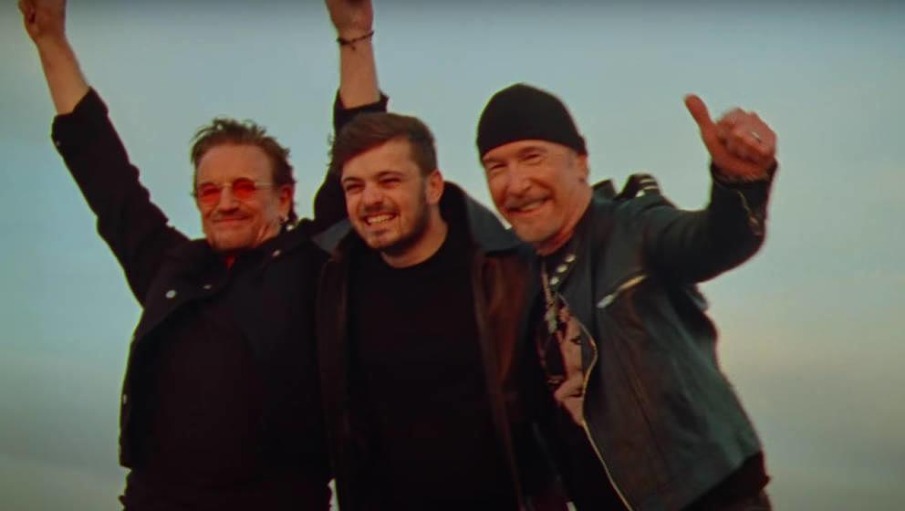 """Gar nicht mal so gut: Bono, Martin Garrix und The Edge im Video zu ihrem offiziellen UEFA-Euro-2020-Song """"We Are The People"""