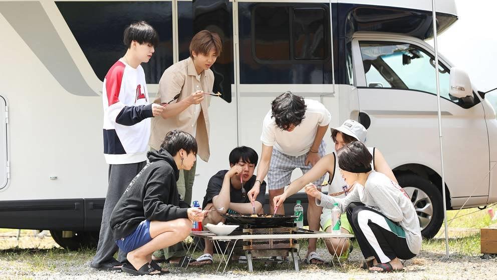 Selbst BTS sind auf den Campingstuhl gekommen.