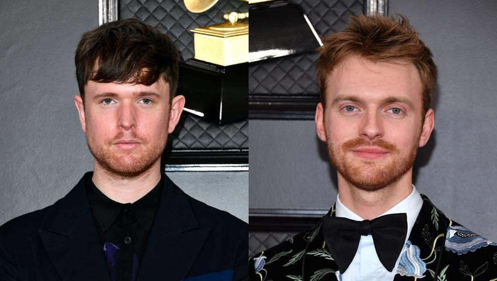 links der Musiker James Blake, rechts Eilish-Produzent und Bruder Finneas