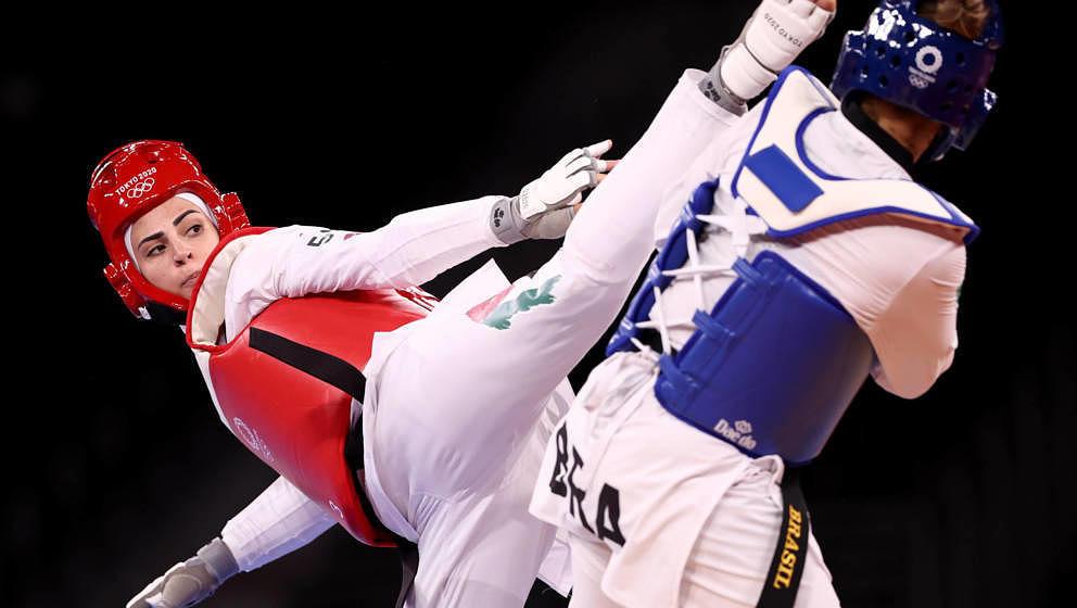 Viele finden, dass die jordanische Taekwondo-Athletin Julyana Al-Sadeq große Ähnlichkeit mit Lady Gaga hat.