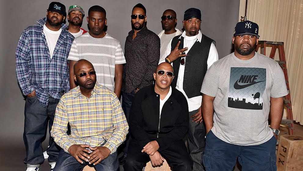BURBANK, CA - OCTOBER 02:  (L-R, standing) Rappers Ghostface Killah, Method Man, GZA, RZA, Inspectah Deck, Cappadonna, Raekwo