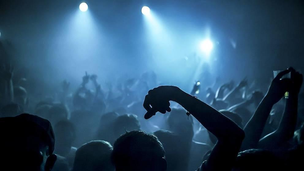 Crowd at Fabric nightclub, Farringdon, London. (Photo by: PYMCA/Universal Images Group via Getty Images)