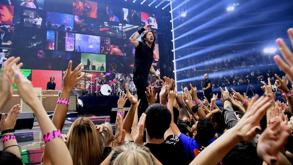 NEW YORK, NEW YORK - SEPTEMBER 12: Dave Grohl of Foo Fighters performs onstage during the 2021 MTV Video Music Awards at Barc