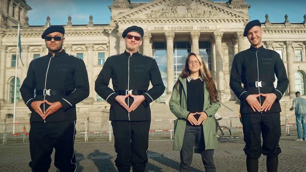 """K.I.Z in ihrem neuen Video zu """"Danke Merkel"""""""