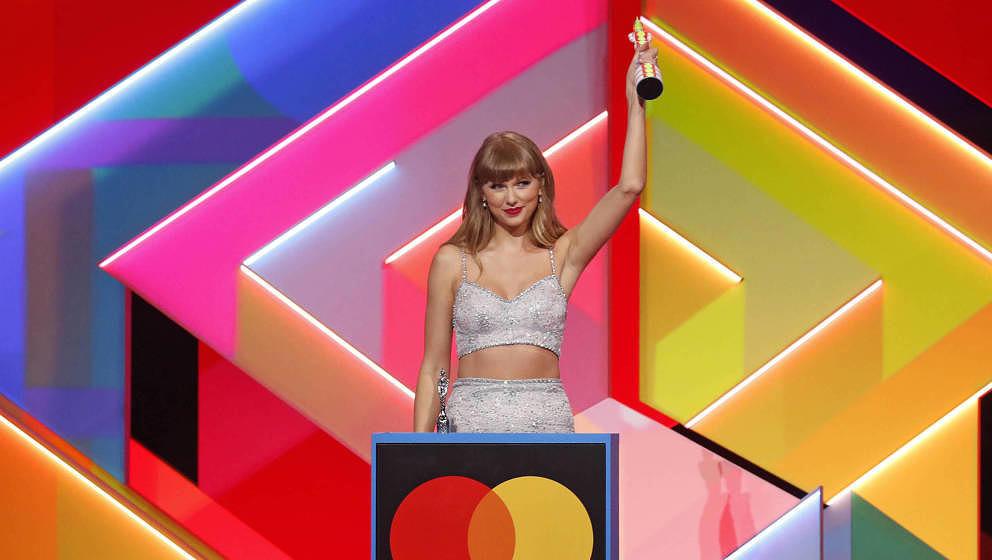 Taylor Swift gewinnt den Global Icon Award bei den BRIT Awards 2021