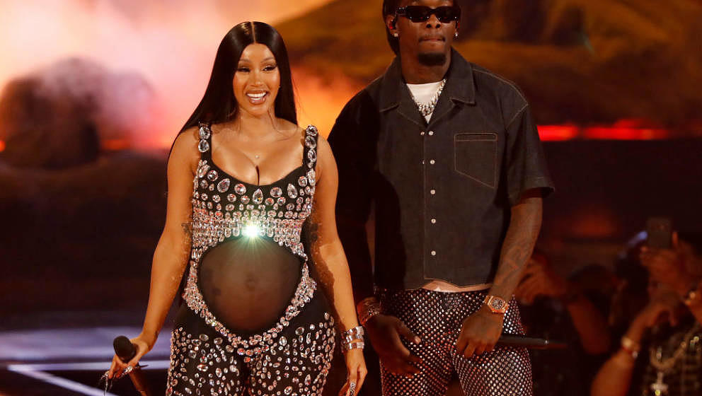 LOS ANGELES, CALIFORNIA - JUNE 27: (L-R) Cardi B and Offset of Migos perform onstage at the BET Awards 2021 at Microsoft Thea
